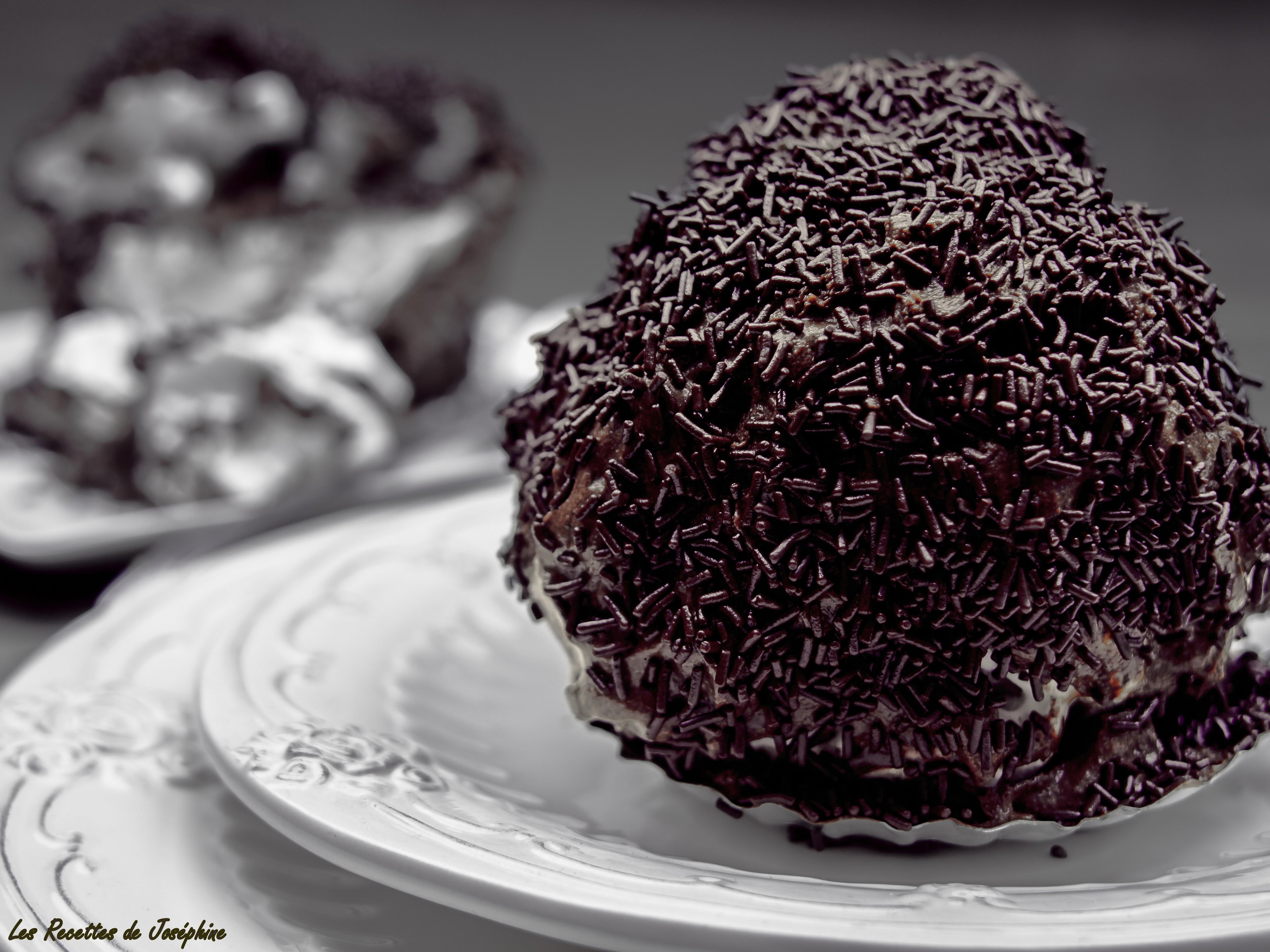boules choco ou boules meringues chocolat les recettes de jos phine. Black Bedroom Furniture Sets. Home Design Ideas